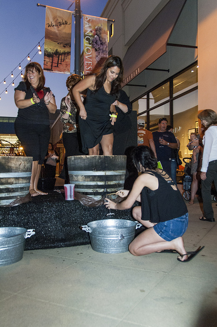contestants get their stomp on at Promenade Temecula's wine walk (c) Crispin Courtenay