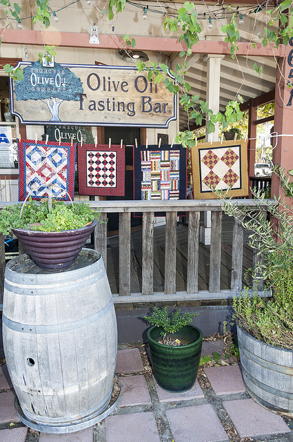 Quilts at Temecula Olive Oil Company (c) Crispin Courtenay