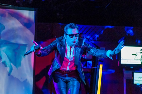 "Frontman ""Devontional Dave"" rocks Strangelove in Temecula  (c) Crispin Courtenay"