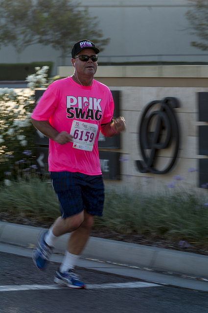 yeah, he has that Pink Swag at Susan G. Komen Race for the cure in Temecula (c) Crispin Courtenay