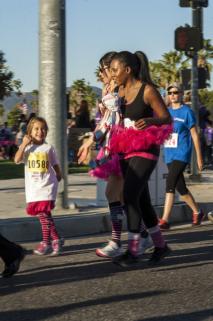 All ages running for the cure Susan G. Komen Race for the cure in Temecula (c) Crispin Courtenay