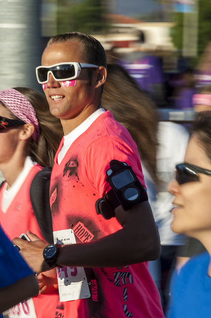 Wearing pink Susan G. Komen Race for the cure in Temecula (c) Crispin Courtenay