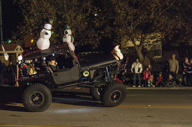 Christmas Parade of Lights in Temecula, California — a cold night ...