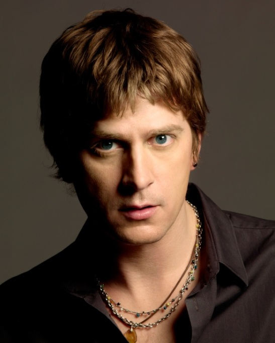 Recording artist Rob Thomas (courtesy)