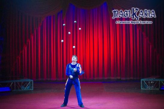 Micheael Ferreri Juggling (courtesy) Circus Vargas