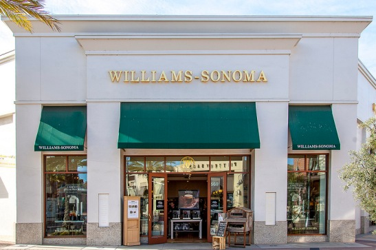 Wililams-Sonoma at Promenade Temecula's outdoor mall (c) Crispin Courtenay