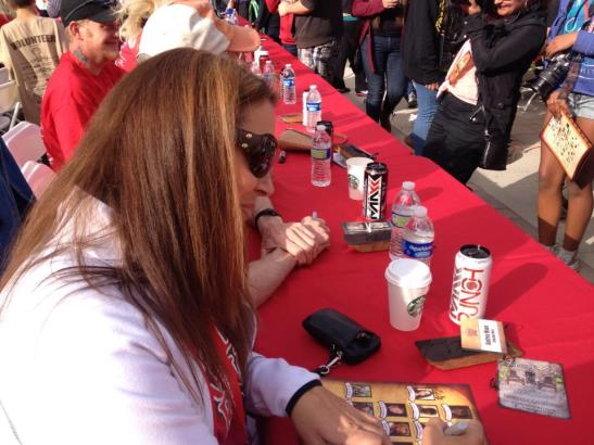 Andrea Maue signing autographs at Reality Rally 2013 (courtesy)