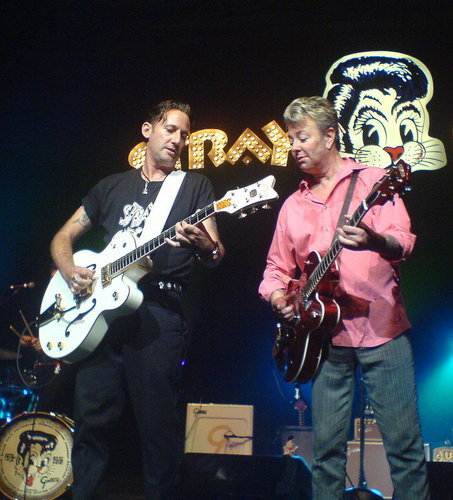 Buzz Campbell on Stray Cats tour 2008 (courtesy)