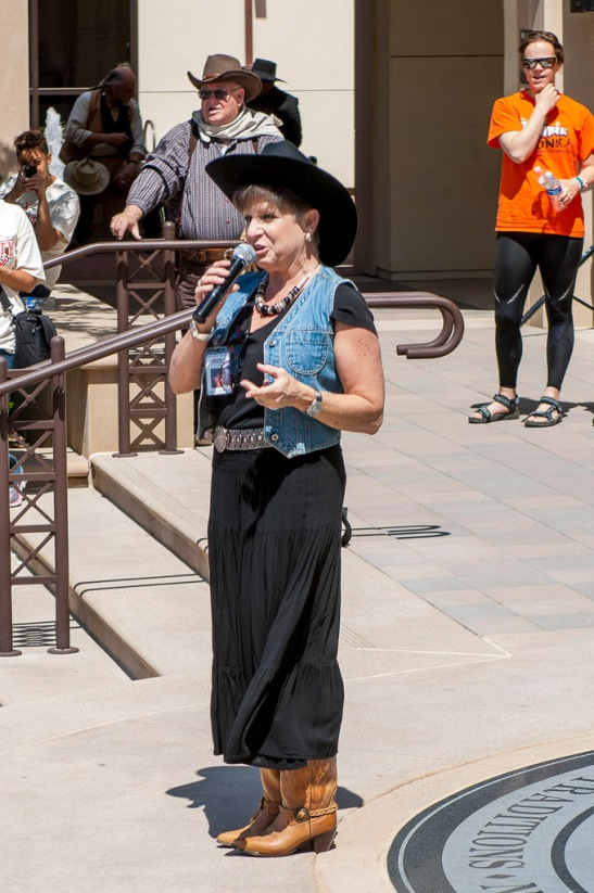 Temecula Mayor Maryann Edwards thanking all for coming out to support Reality Rally and Michelle's Place (c) Crispin Courtenay