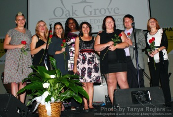 Oak Grove Alumnae onstage with Tammy Wilson, center (c) Tanya Rogers