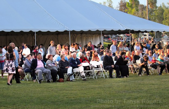 Outdoor concert during silent auction at Oak Grove Center (c) Tanya Rogers