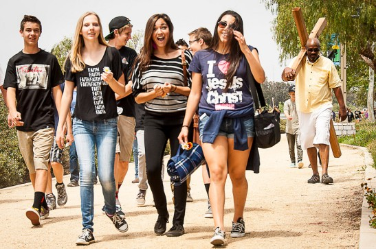 Teens walk together on the way to Sam Hicks park in Old Town Temecula c) Crispin Courtenay
