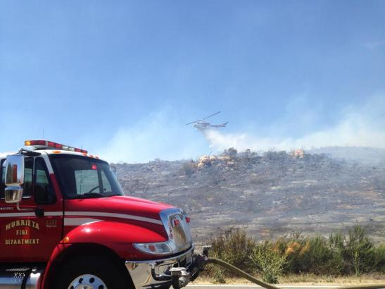 Air support dropped on the blaze, quickly reducing evacuation fears in Murrieta (c) Maggie Avants
