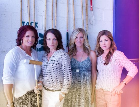 l. Lea Roberts, Heather Vail, Niki Cronin, Geraldine Strunsky  (c) Shawna Sarnowski